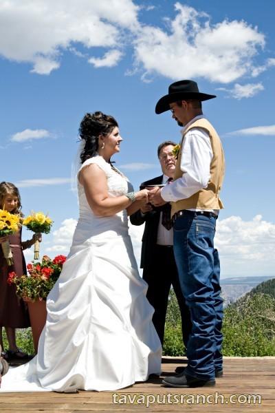 activities_weddings_jSHGMovhASXtTvm8.jpg